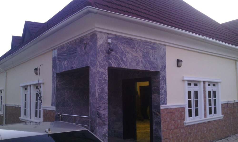 A 4 BEDROOM DETACHED BUNGALOW WITH PENT HOUSE